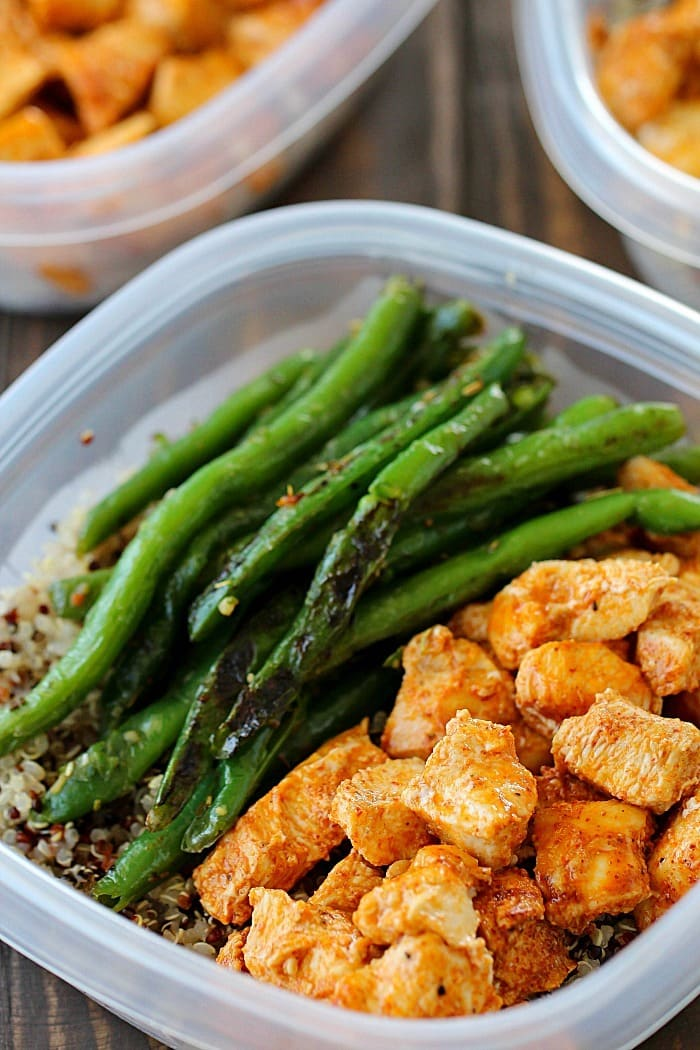 Make Ahead Baked Lime Chicken Bowls Recipe via Yummy Healthy Easy - Be prepared to eat healthy for the week by making your meals in advance! These Meal Prep Baked Lime Chicken Bowls are not just healthy but also delicious! Chicken breasts are cubed and marinated in a chili-lime marinade and then baked and paired with quinoa and green beans for make-ahead healthy meals!
