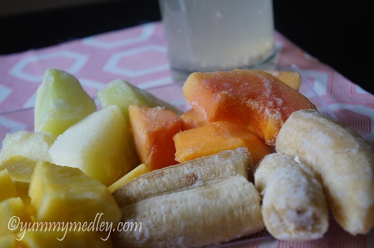 Tropical Island Green Smoothie - Ingredients: Bananas, pineapples, papaya and honeydew melon
