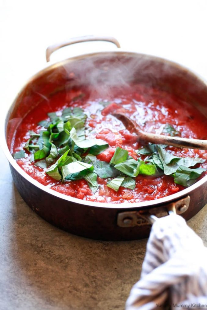 Simple Italian Pomodoro Sauce - Perfect for Spaghetti!