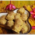 Munthiri kothu / Roasted green gram and jaggery balls