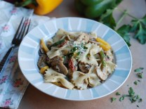 chicken-and-vegetables-in-a-creamy-pesto-sauce