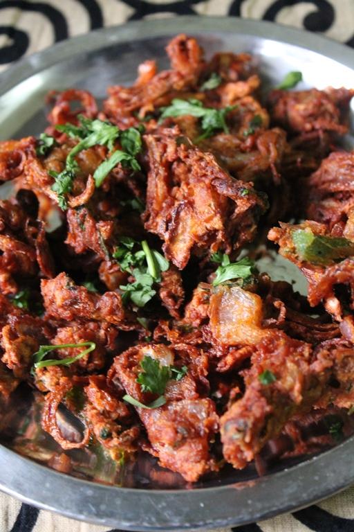 Onion Pakoda Recipe Onion Pakora Recipe Vengaya Pakoda Recipe Yummy Tummy