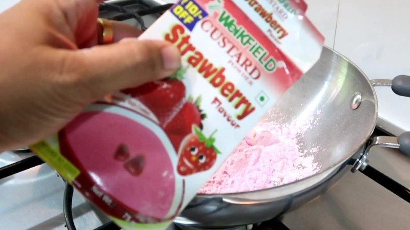 Strawberry Custard Halwa
