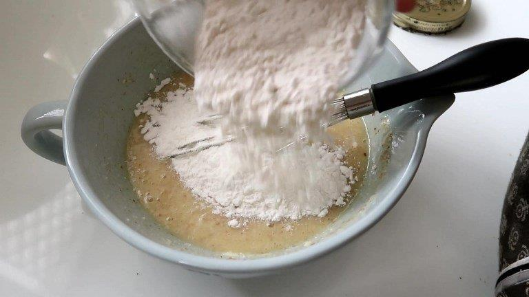 flour in French Almond Cake