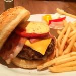 錦糸町で巨大ハンバーガーを食べてみる