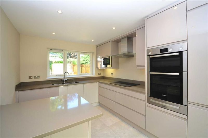 Kitchen photo of private house in Chislehurst Rd
