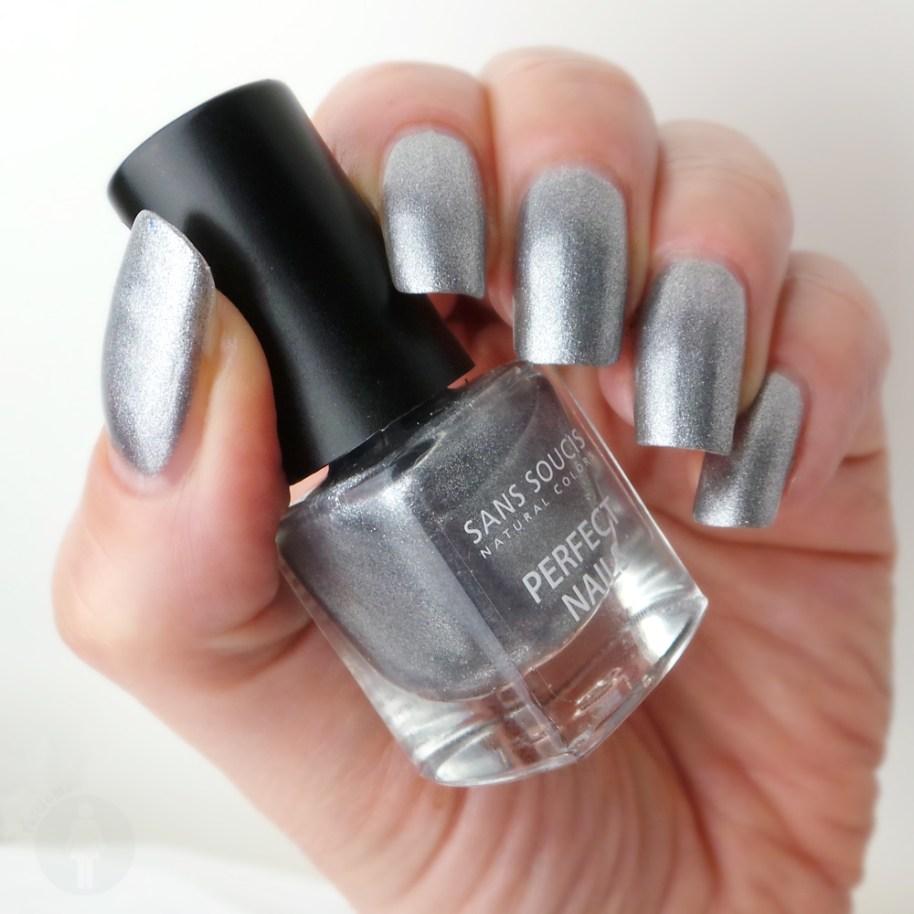 Sans-Soucis-Metallic-grey-180-YuStSoMe-L2a