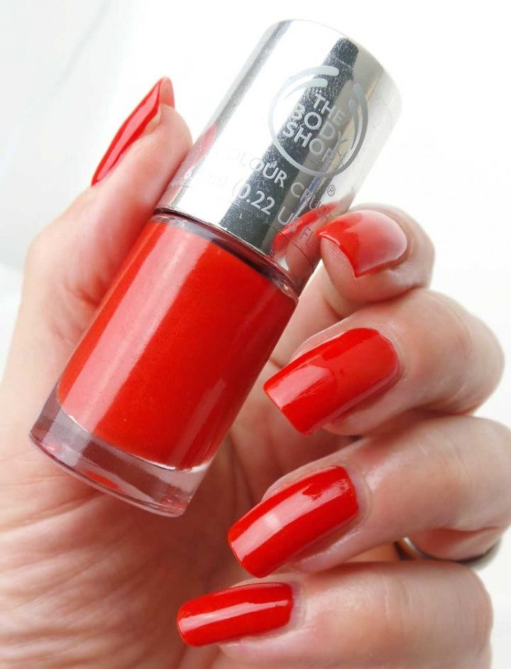 The-Body-Shop-130-red-my-mind-nagellak-yustsome-swatchedit-3