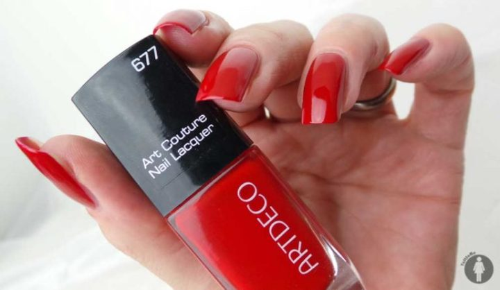 ArtDeco-nagellak-nailpolish-677-art-couture-nail-laquer-review-swatch-yustsome-hand1