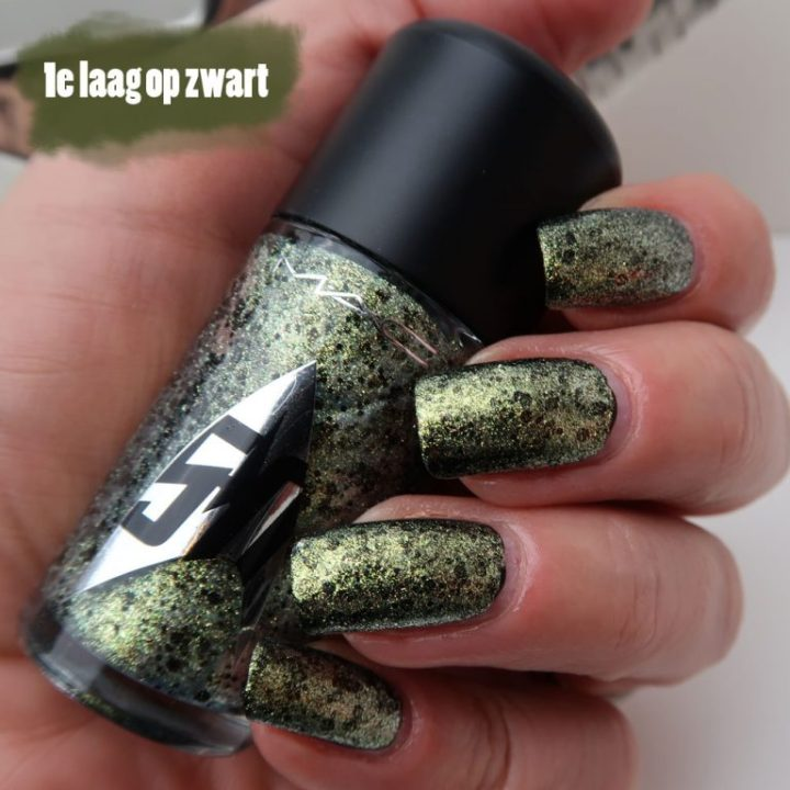 mac-cosmetics-star-trek-le-skin-of-evil-swatch-nailpolish-yustsome-4