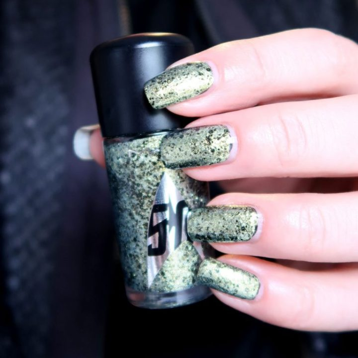 mac-cosmetics-star-trek-le-skin-of-evil-swatch-nailpolish-yustsome-6