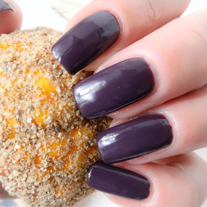Collistar nailpolish swatched-it purple yustsome nailart borgogne anna natural long nails 3