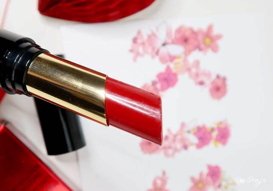 Revolution-liphug-lipstick-beauty-blog-blogpost-yustsome-i-am-ready-redlips-3