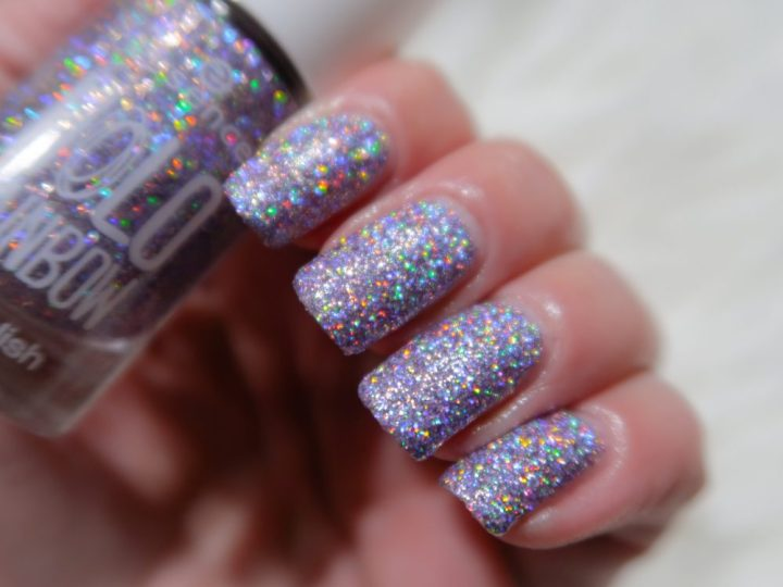 Essence, holo, fever, swatch, nailpolish, holographic, shine, blog, post, beauty, yustsome