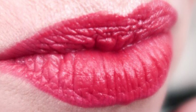 Bijenkorf, rode, lippen, lippenstift, Charlotte Tilbury, Mac, Lancôme, Nars, sisley, Georgio Armani, Charlotte Tilbury