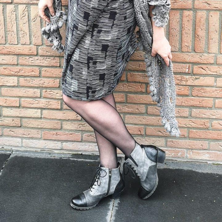 Didi, fashion, jurkje, zwart, wit, print, grafisch, design, stijl, Sonja, beautysome, stola