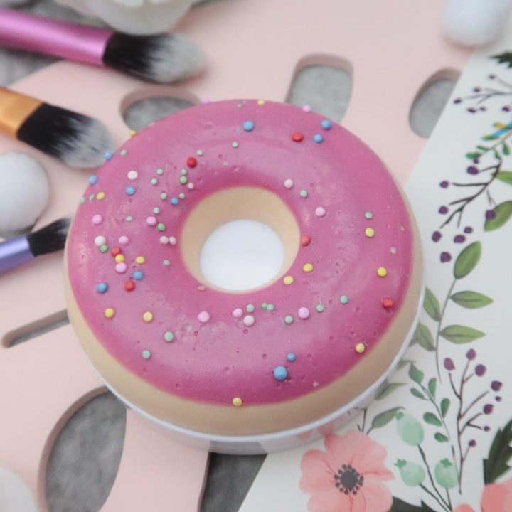 I ❤️ Revolution, make-Ups, Eyeshadows, donuts, glaze, smelling, pink, beautysome, Swatch, review, blog
