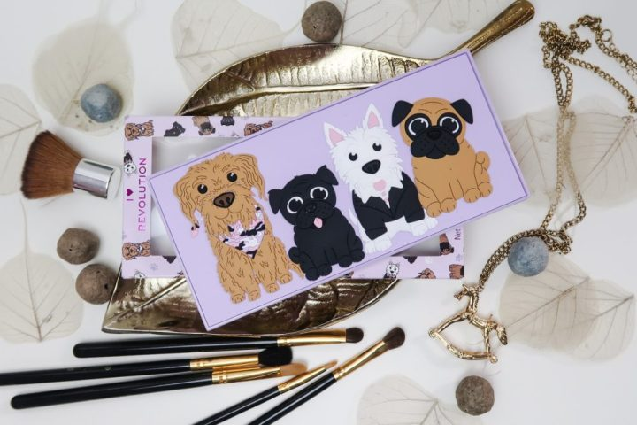 Revo-Pooches, revolution, makeup, beauty, eyeshadow, palette, oogschaduw, hondjes, puppy, matte, shimmer, review, beautysome, swatches