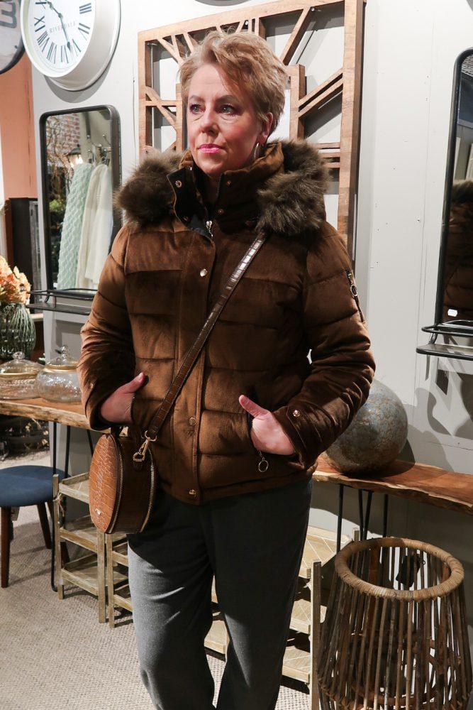 Capuchon, bruin,jas, winterjas, sale, fashion, mode, 50 plus, beautysome