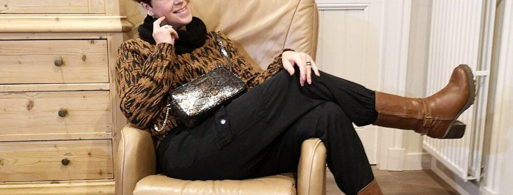WE, fashion, trui, sweater, mode, 50 plus, herfst, winter, fashion, cargo, broek, laarzen, blokhak
