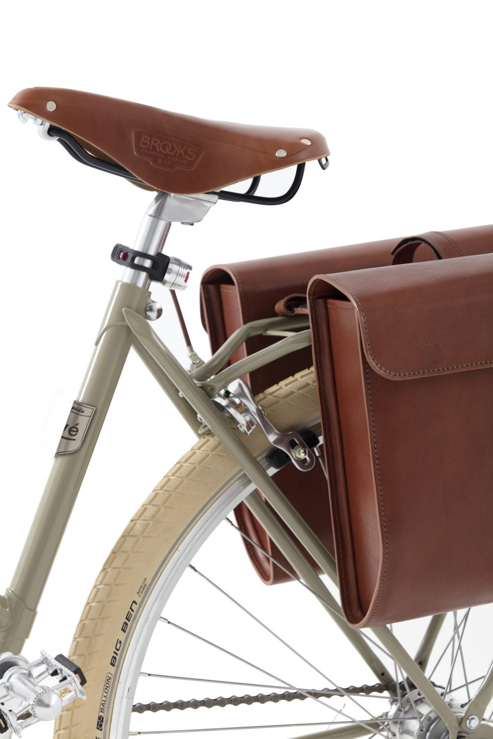 Velorapida and Yvé Collection leather seat