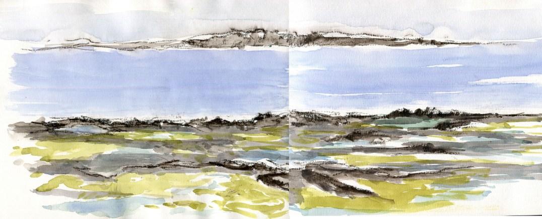Inis Meain. Vue sur la côte irlandaise depuis les falaises