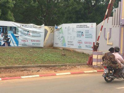 Les panneaux en français à Lomé