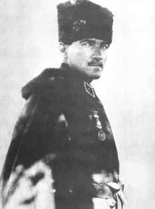 Mustafa Kemal commandant en chef des forces turques 5 août 1921