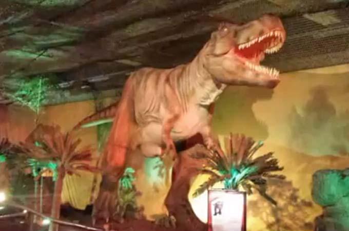 "Etnapolis, ""I giorni dei dinosauri"""