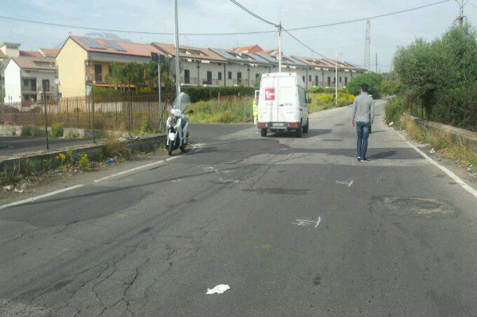 Paternò, incidente in via Mongibello con un ferito trasportato dall'elisoccorso al Cannizzaro