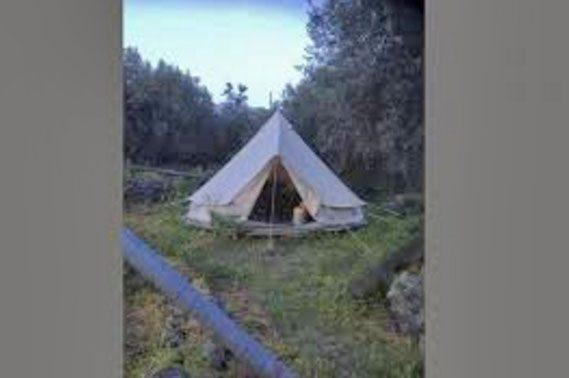 Santa Maria di Licodia: 59enne svizzero muore nella tenda in cui viveva