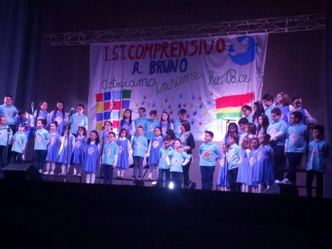 """Biancavilla, esibizione corale della scuola primaria e dell'infanzia dell'istituto """"A. Bruno"""""""
