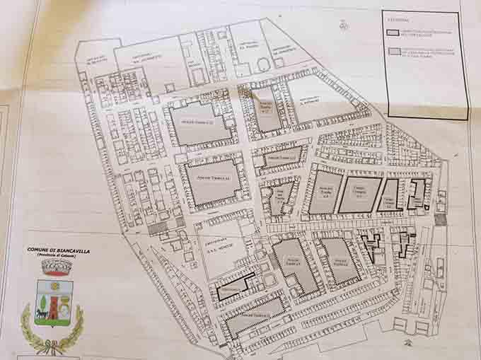 """Biancavilla, aree cimiteriali. Assessore Sapienza vuole un """"Gruppo di lavoro"""""""