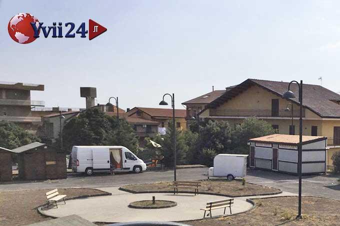 Biancavilla, rom e spazzatura: nuovamente degradata piazza Don Bosco