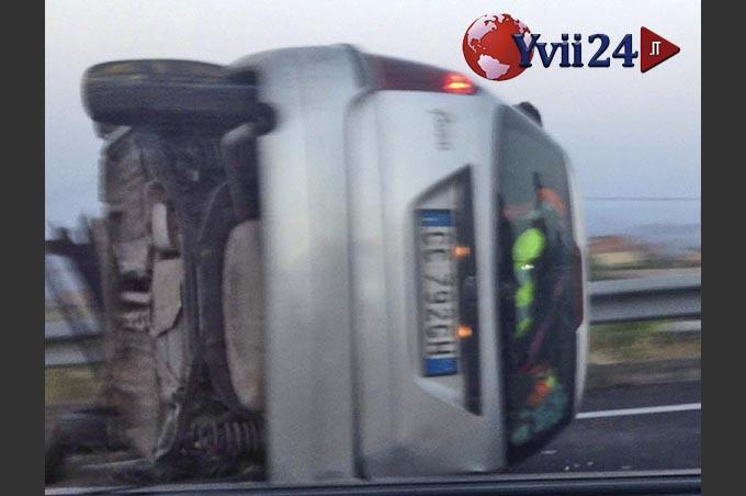 Biancavilla, incidente autonomo sulla 284. Due feriti non gravi