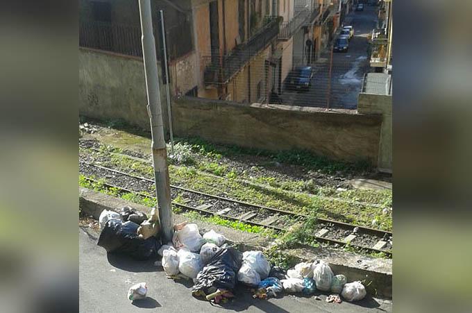 Biancavilla, discarica in via Rattazzi e in altre zone