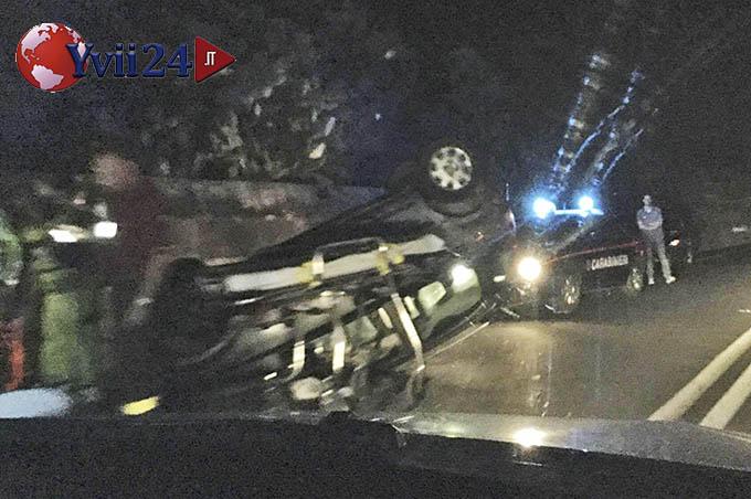 Paternò, incidente nella notte sulla S.S. 284