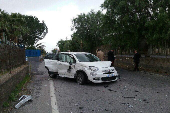 Belpasso, scontro tra due auto sulla provinciale per S. M. di Licodia
