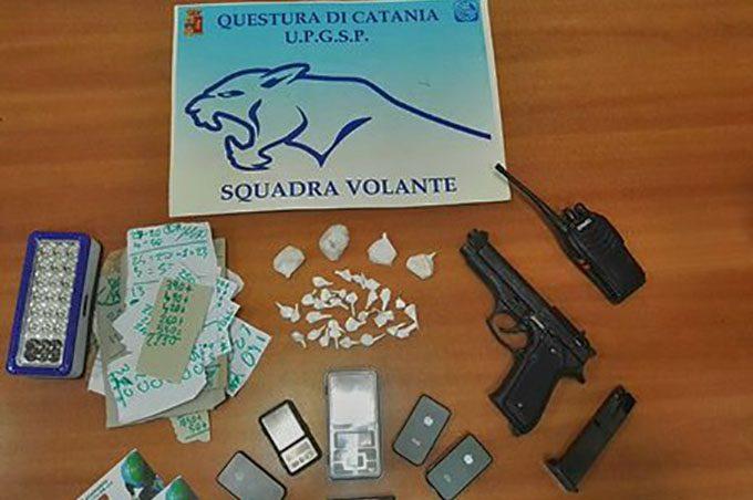 Catania, sequestrate armi giocattolo, cocaina e il brogliaccio dello spaccio