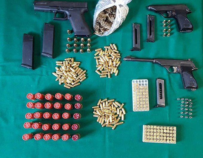 Catania, nascondeva in casa armi e droga: arrestato 26enne
