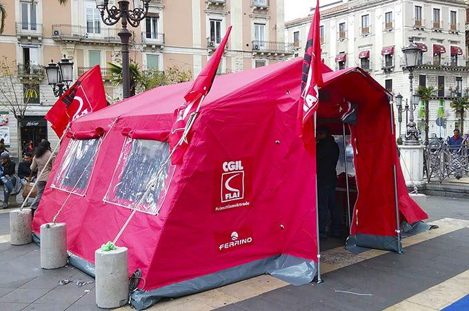 Adrano. #cimettiamoletende, mercoledì la Tenda rossa della Flai-Cgil