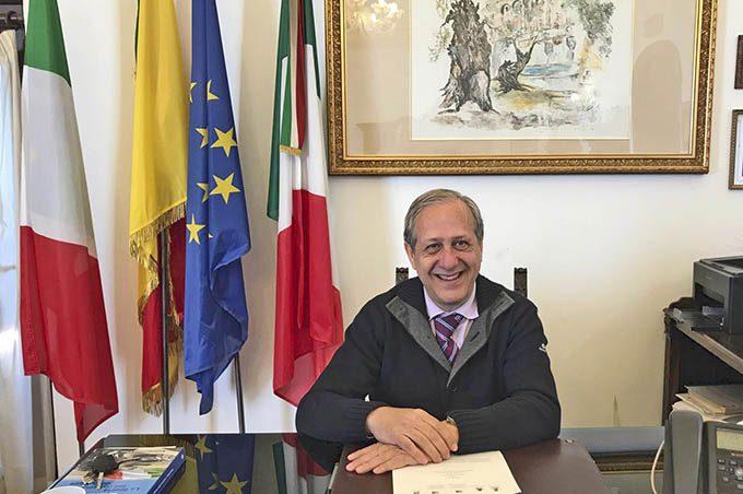 Santa Maria di Licodia: vince il sindaco uscente Totò Mastroianni
