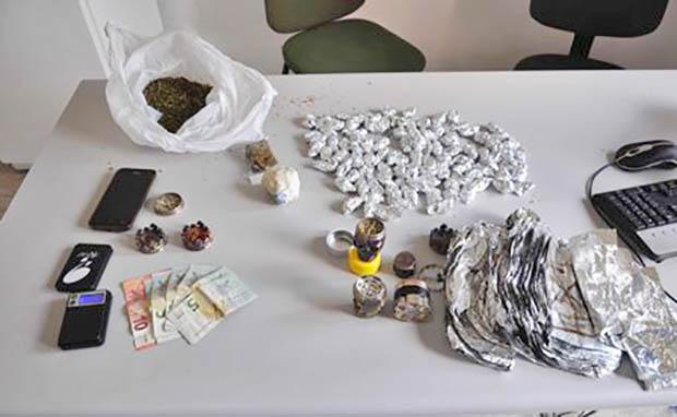 Adrano, droga negli slip: arrestato 26enne