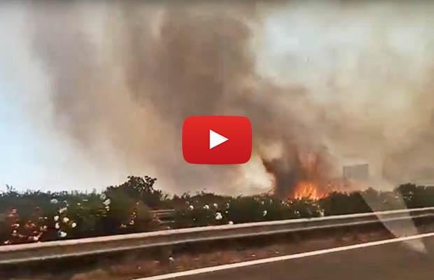 Catania, pericolosissimo incendio in Tangenziale