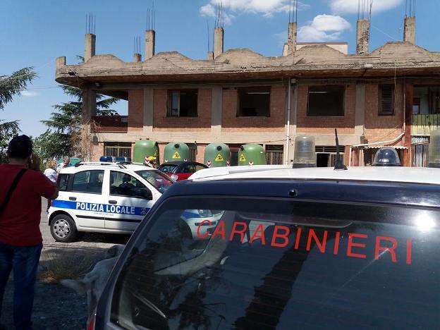 Adrano, nota dell'Enpa e della Lav: «canile abusivo presso l'autoparco comunale»