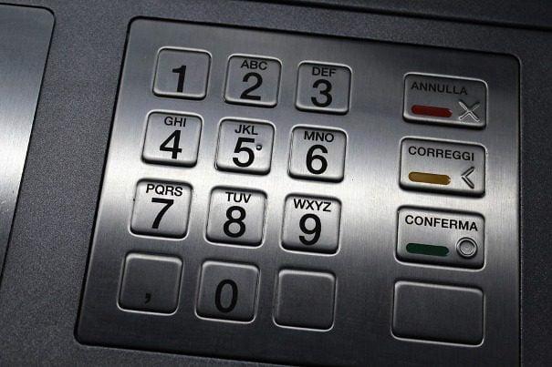Paternò, tentato furto ad un bancomat in zona Quattro Canti