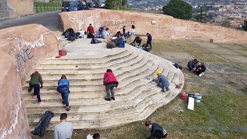 """Paternò. """"U paisi ca mi piaci"""", studenti e volontari ripuliscono la Collina storica"""