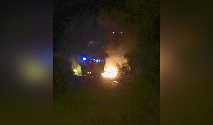 Santa Maria di Licodia. In fiamme auto su Sp 4/II