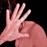 Adrano. Arrestato marito violento: ubriaco, minacciava la moglie davanti ai figli