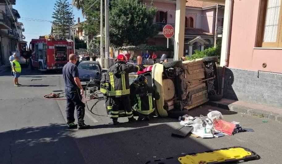 Belpasso. Incidente tra due auto in via VI retta levante